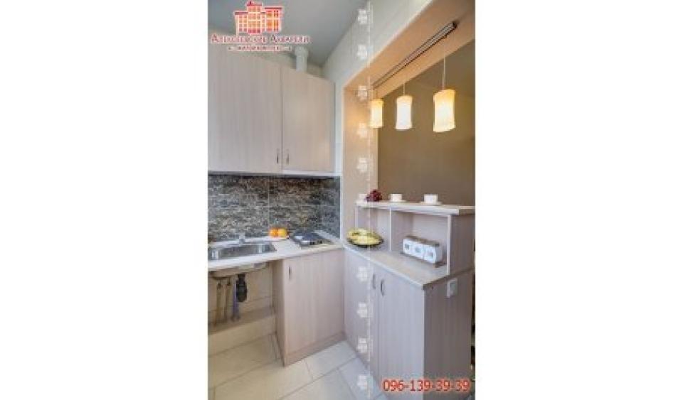 Кухня в комнате гостинке ЖК